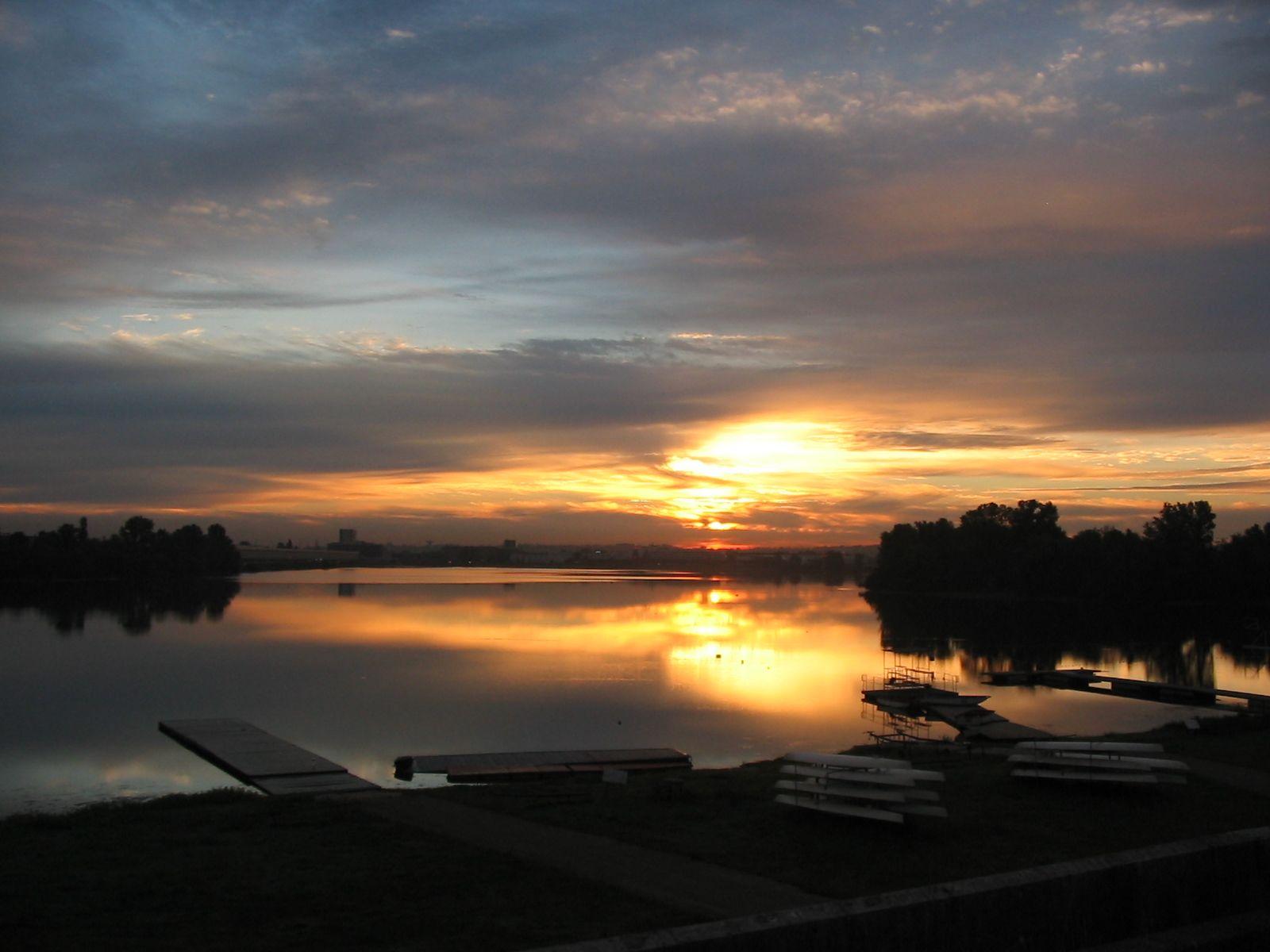 Levée du jour sur le Lac